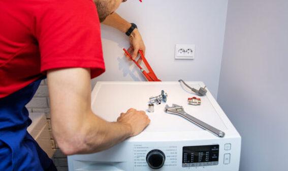 Vandtilslutning til vaskemaskine